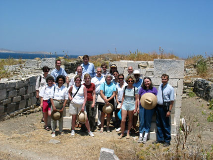 a group of participants in Delos 2