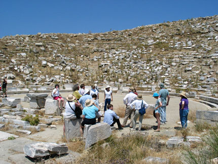 a group of participants in Delos 3